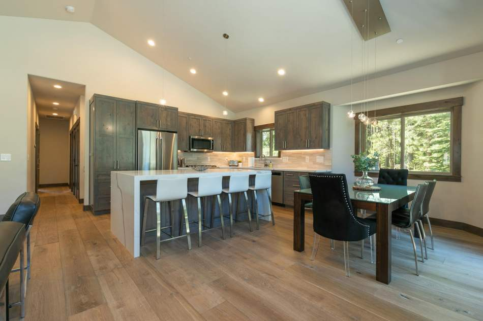 12503-Bernese-Ln-Truckee-CA-large-008-011-Kitchen-1500x1000-72dpi