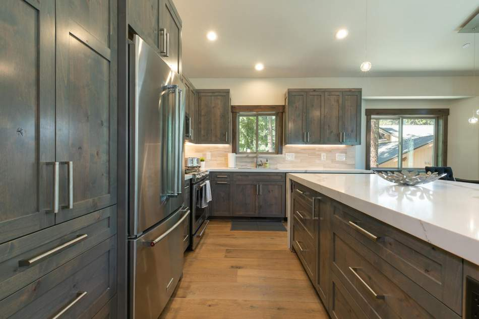 12503-Bernese-Ln-Truckee-CA-large-010-017-Kitchen-1500x1000-72dpi