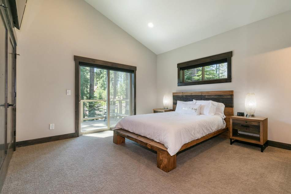 12503-Bernese-Ln-Truckee-CA-large-016-003-Bedroom-Five-1500x1000-72dpi