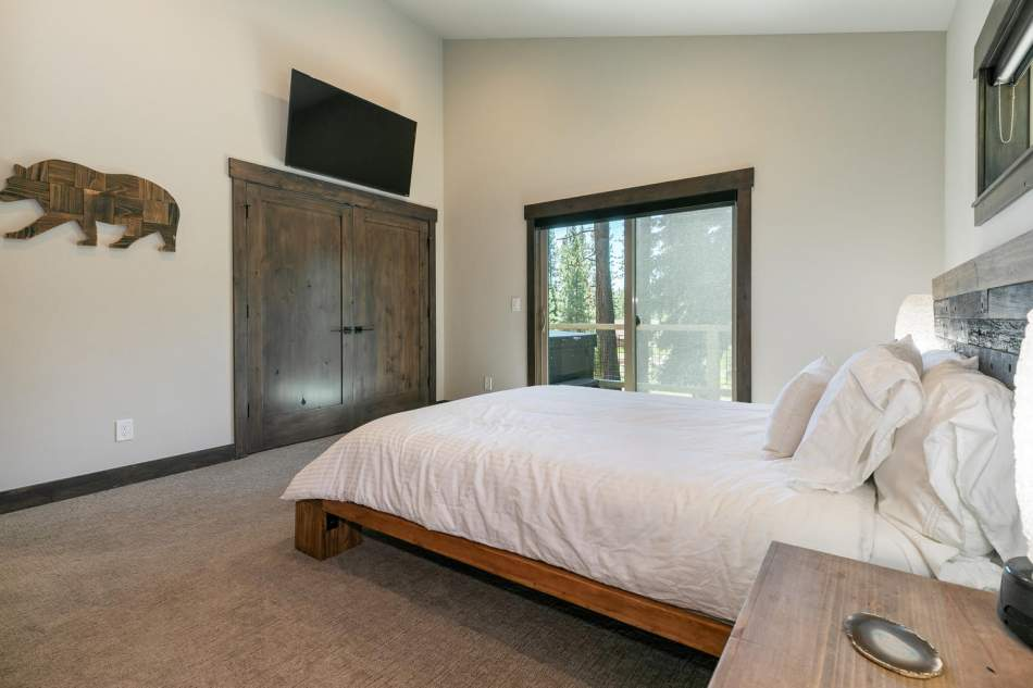 12503-Bernese-Ln-Truckee-CA-large-017-005-Bedroom-Five-1500x1000-72dpi