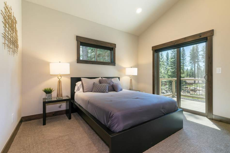 12503-Bernese-Ln-Truckee-CA-large-021-004-Bedroom-Four-1500x1000-72dpi