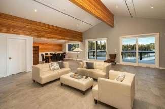Ice Lakes Lodge, Penthouse